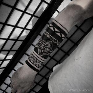 geometric-forearm