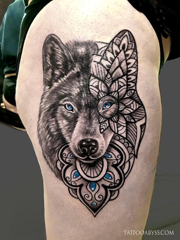 tatouage loup geometrique tatouage loup origami tatouage loup femme connotations et 40 id es. Black Bedroom Furniture Sets. Home Design Ideas