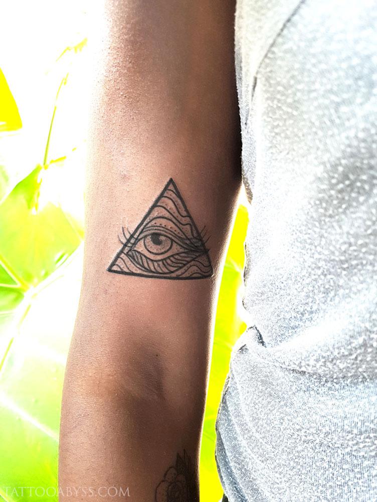 eye-abby-tattoo-abyss