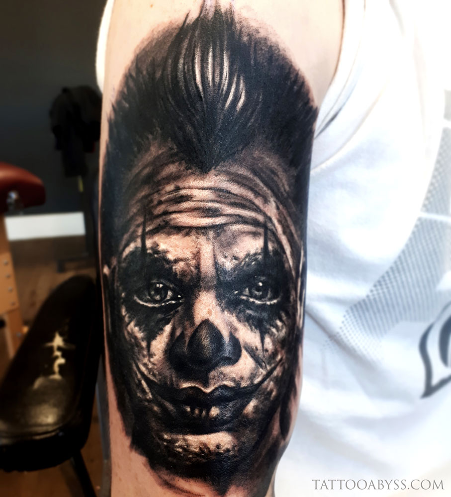 clown-face-loudevick-tattoo-abyss