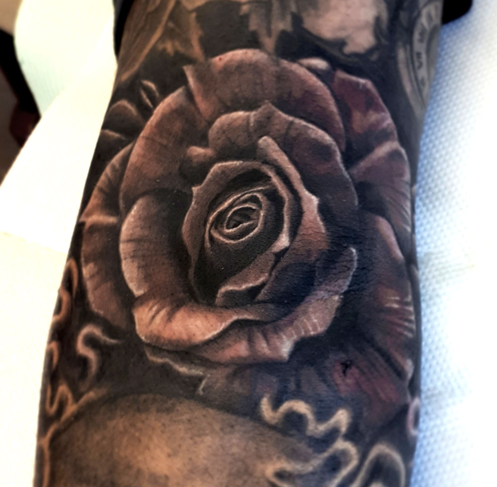 rose-loudevick-tattoo-abyss