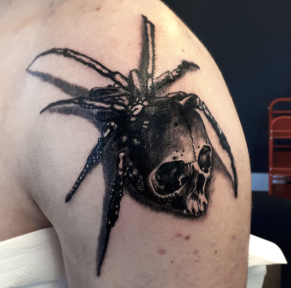 skull-spider-loudevick-tattoo-abyss