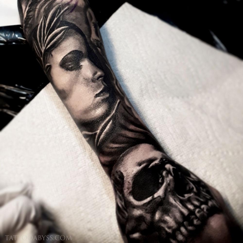 woman-skull-loudevick-tattoo-abyss