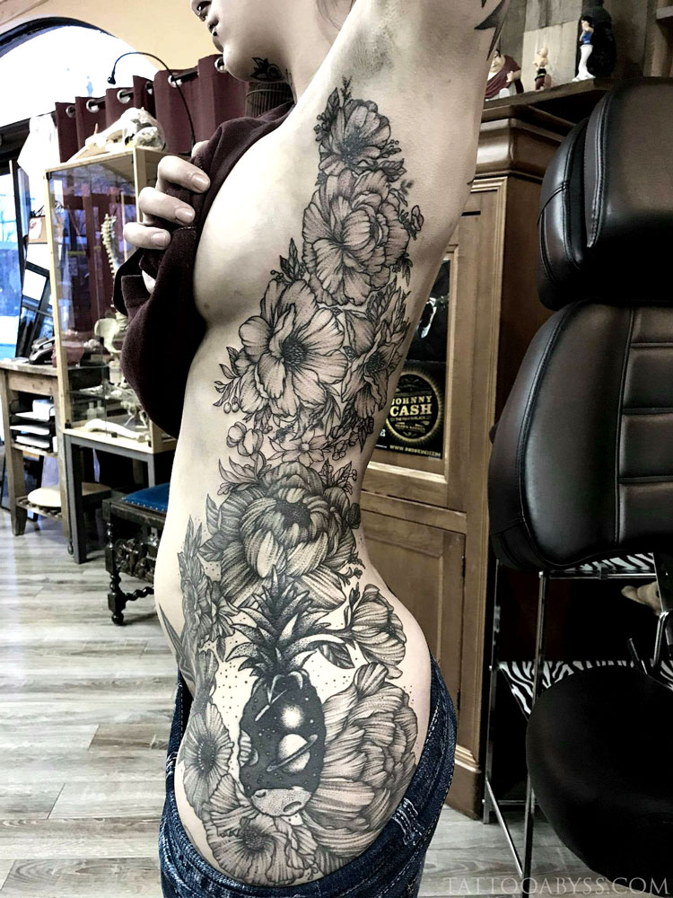 floral-ribs-camille-tattoo-abyss