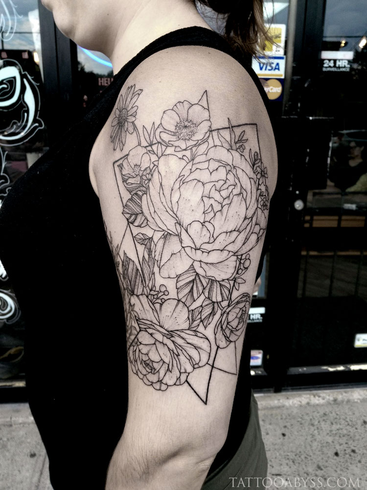 geometric-flowers-camille-tattoo-abyss