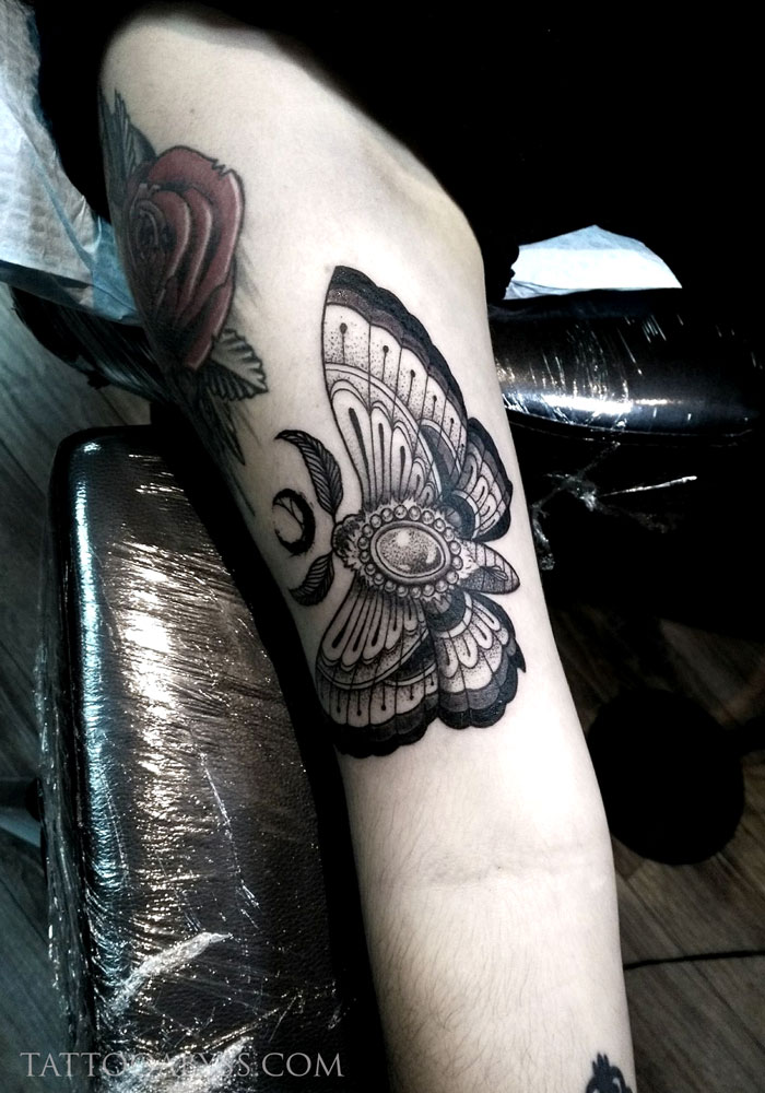 jeweled-moth-camille-tattoo-abyss