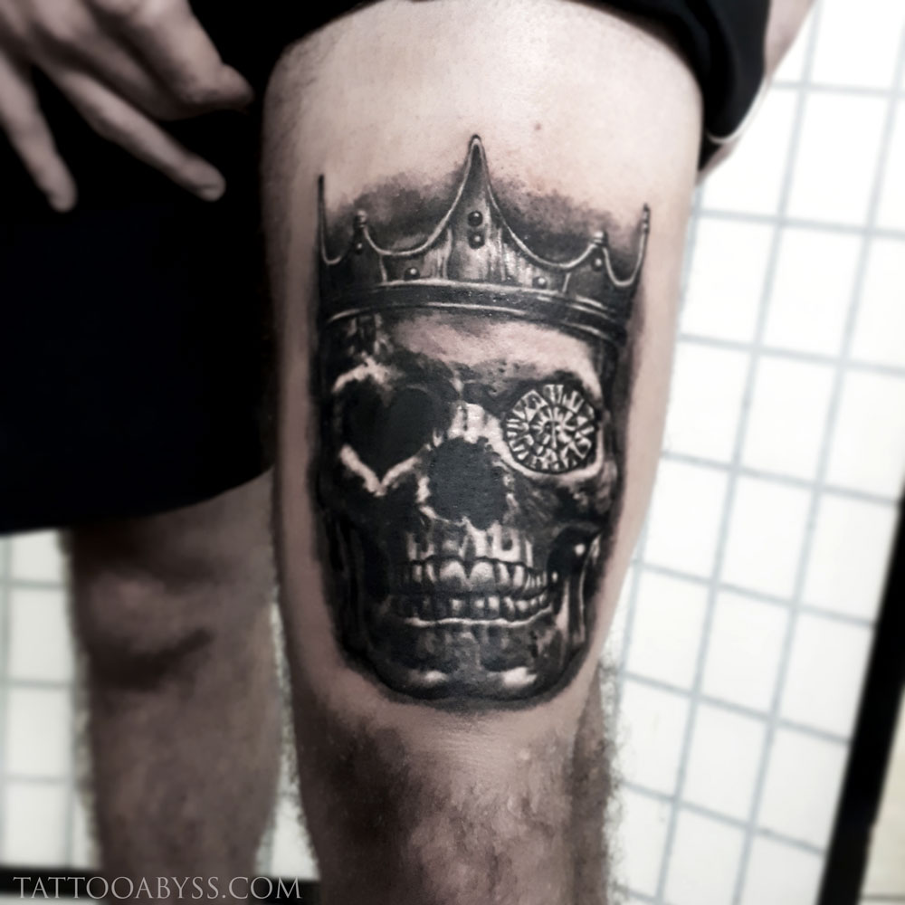 skull-crown-loudevick-tattoo-abyss