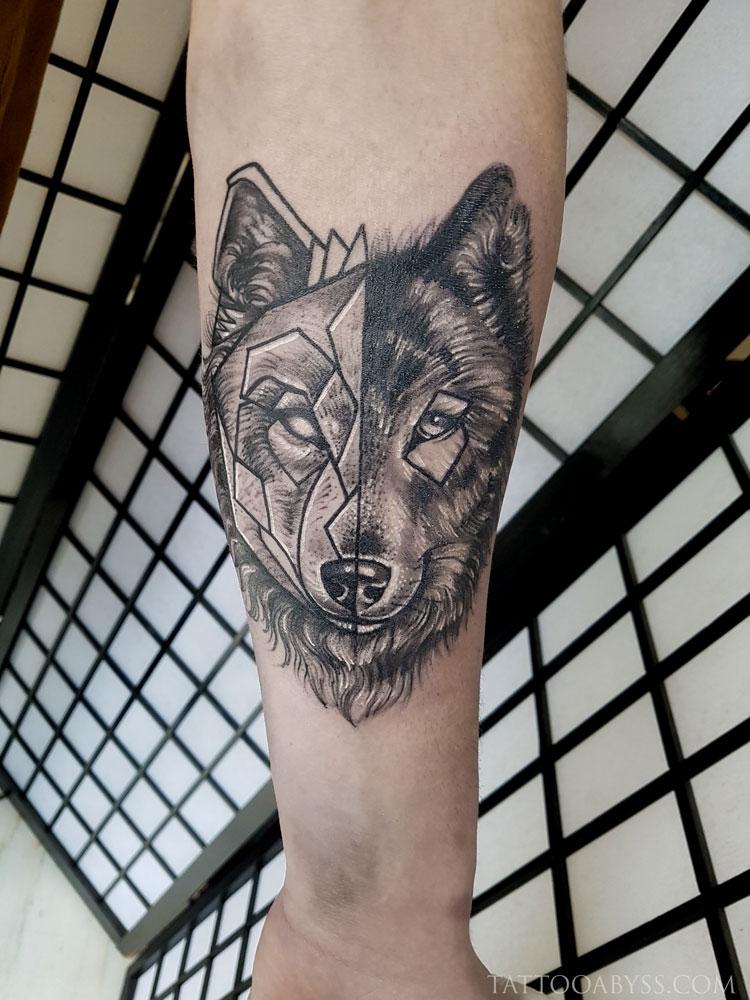 geometric-wolf-abby-tattoo-abyss