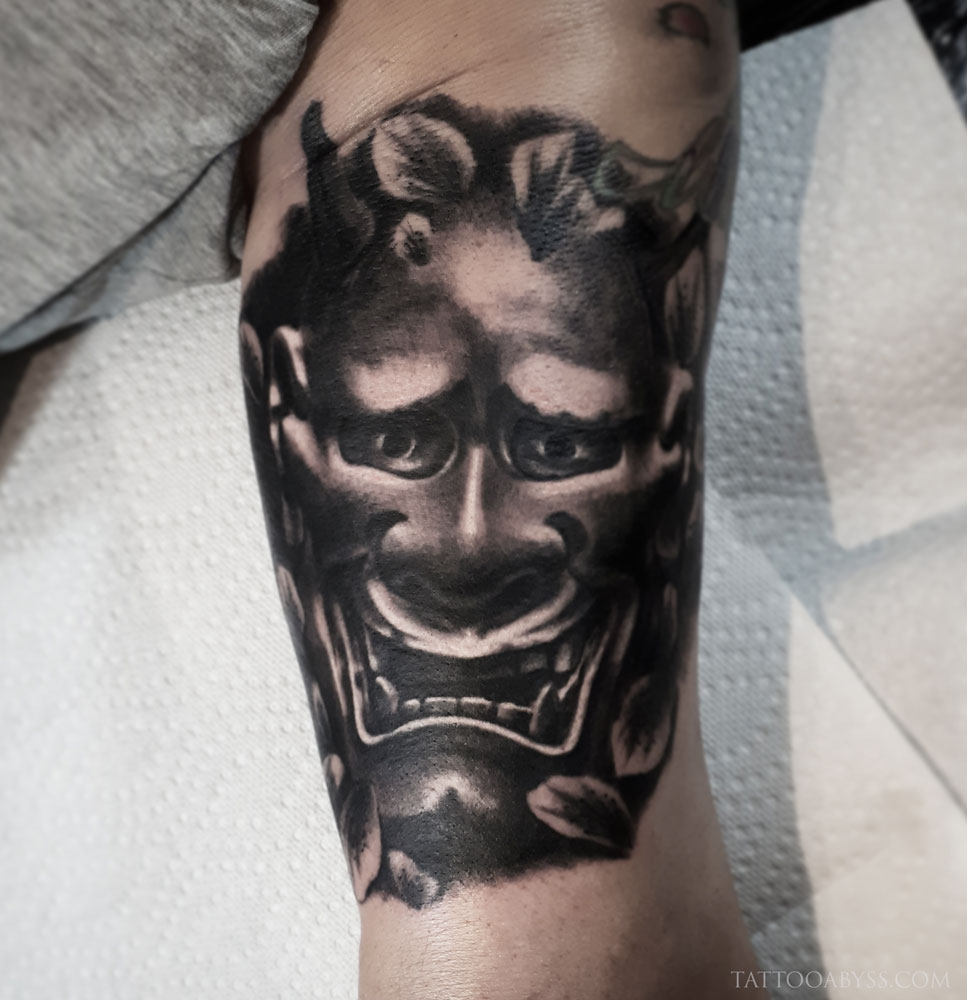 hannya-loudevick-tattoo-abyss