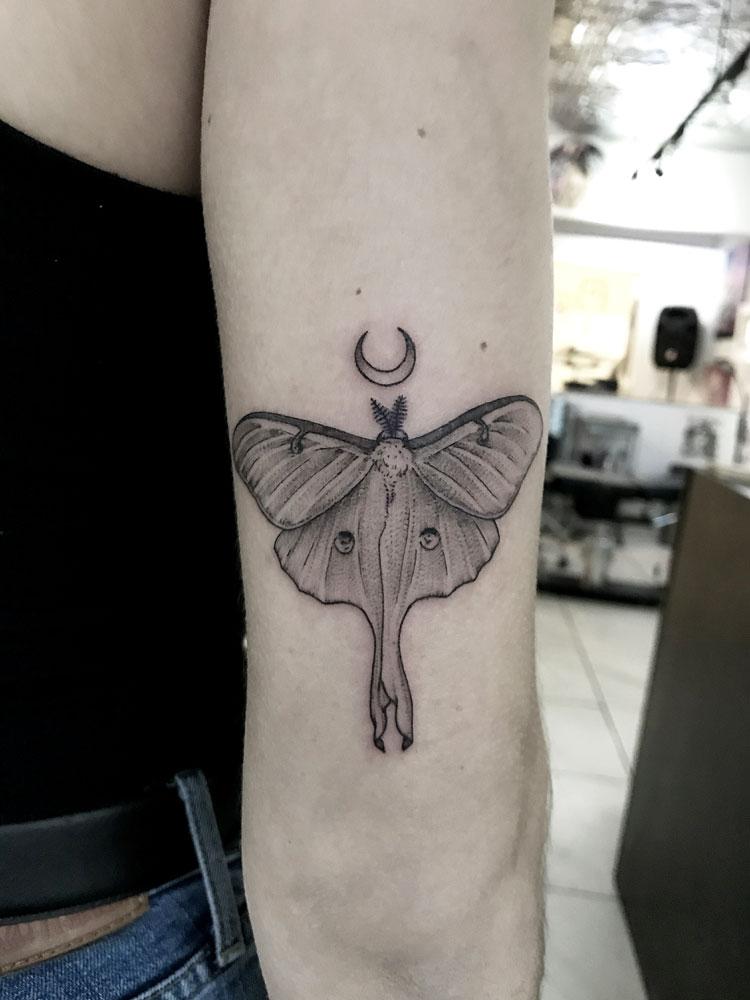 luna-moth-camille-tattoo-abyss