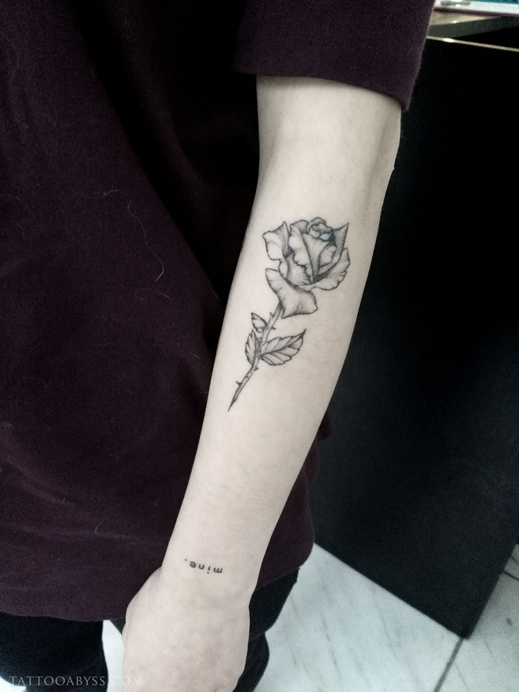 rose-2-camille-tattoo-abyss