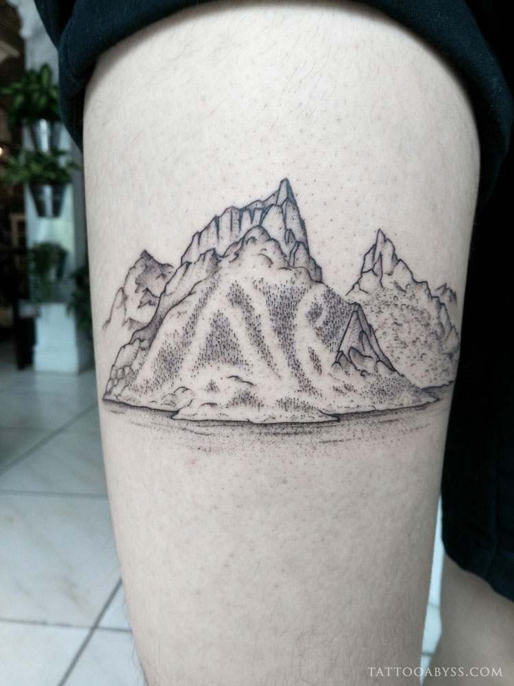 mountain-berg-camille-tattoo-abyss